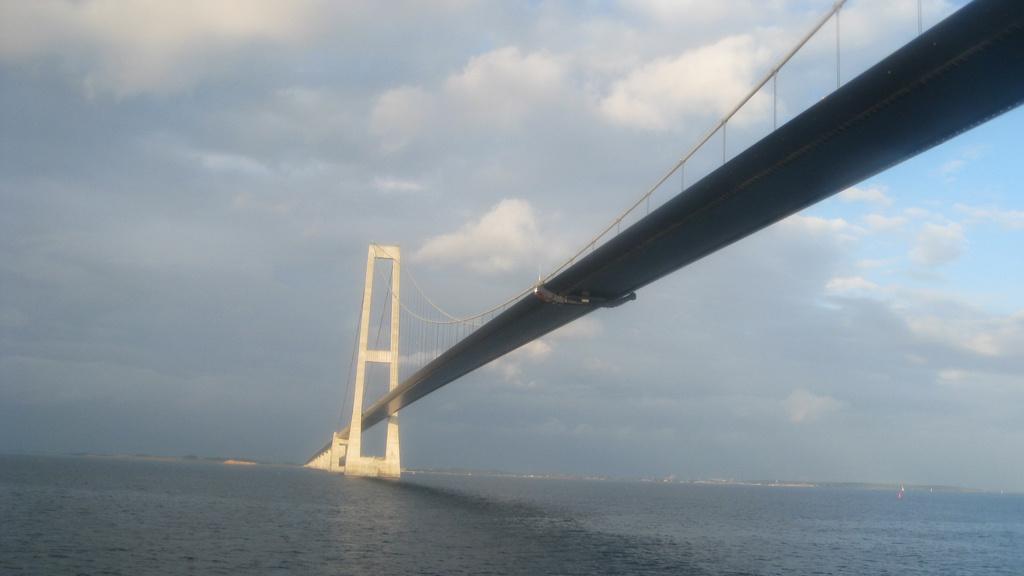 Cruise Liner/Satellite/Suspension Bridge