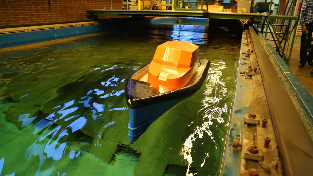Axes/Messenger Bags/Rescue Boats