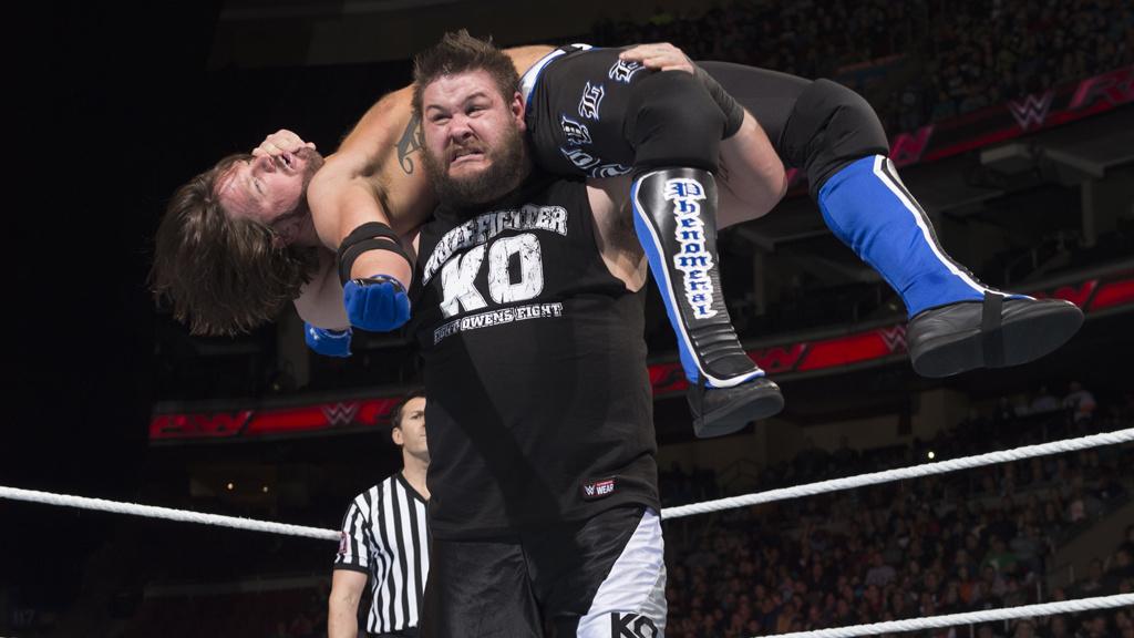 AJ Styles v Kevin Owens
